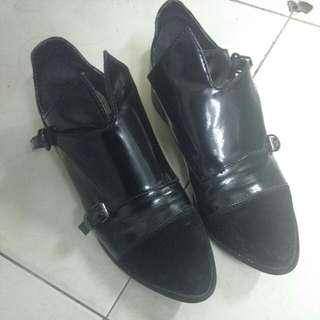 (降)Brashka 時尚尖頭扣環紳士鞋
