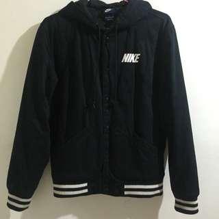 (暫時出售囉😁)Nike黑色棒球外套