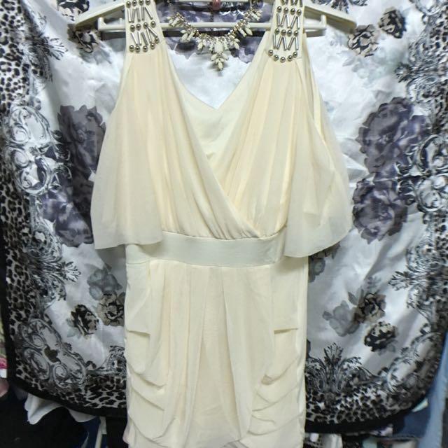✨全新 V 顯瘦洋裝 V 白