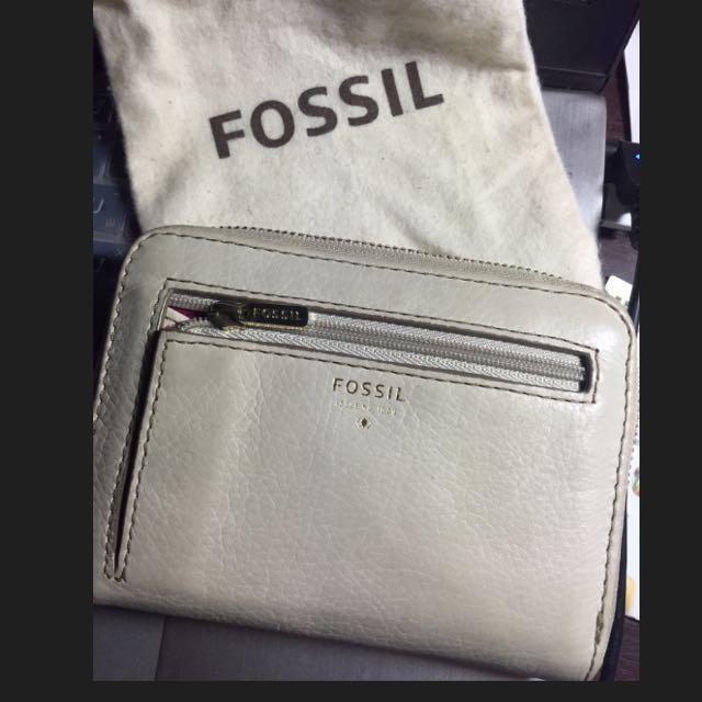 Fossil 米白色星星中皮夾