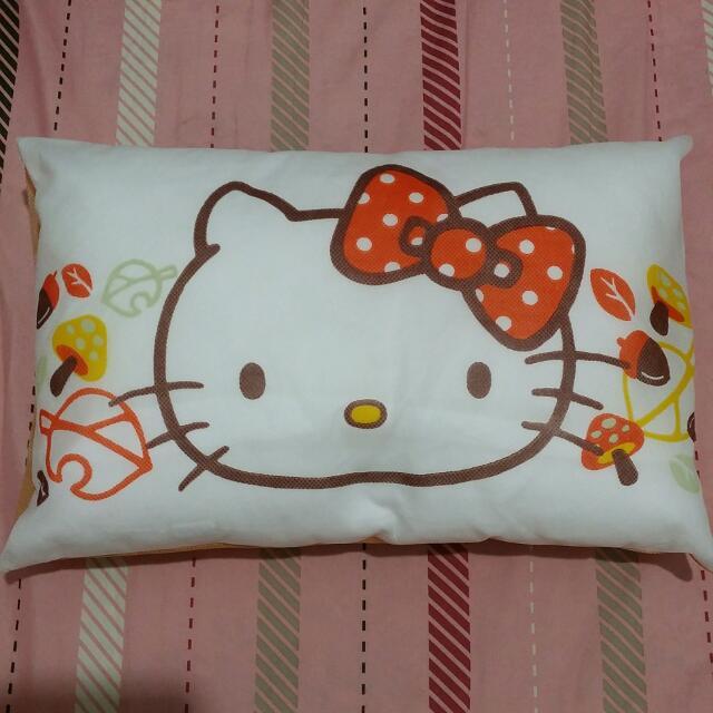 HELLO KITTY小枕頭
