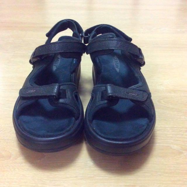 MBT調整型涼鞋
