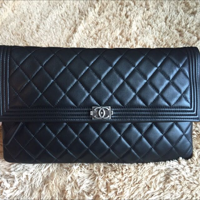 bef0e2ac0202 ... bag Source · Bnib Chanel Boy Fold over Clutch Black Lambskin Rhw 21  Luxury on Carousell