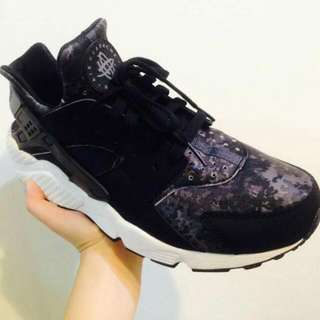 (🔺降價)Nike Huarache 黑迷彩武士