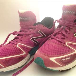 Authentic New Balance Ladies Sports Shoes (US Size 8)