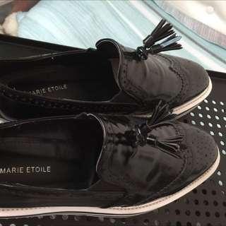 降價賣漆皮厚底鞋