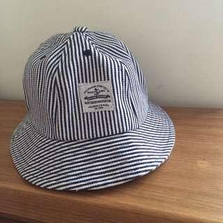 全新 挺版藍白條紋漁夫帽