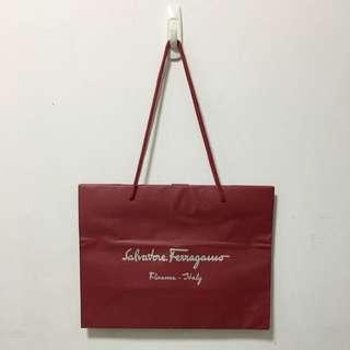FERRAGAMO紙袋✨