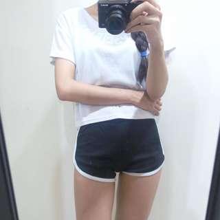 全新 超合身運動短褲 S