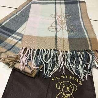 CLATHAS經典山茶花時尚格紋小熊兩用圍巾(台灣限定)
