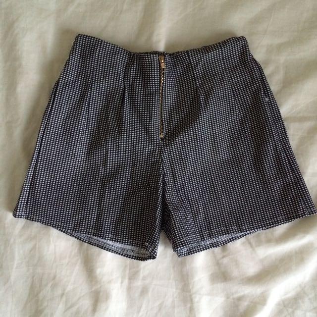 全新 彈性黑白細格前拉鍊短褲