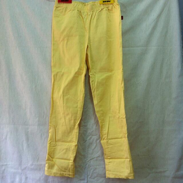 📍 代售 黃色 彈性內搭褲