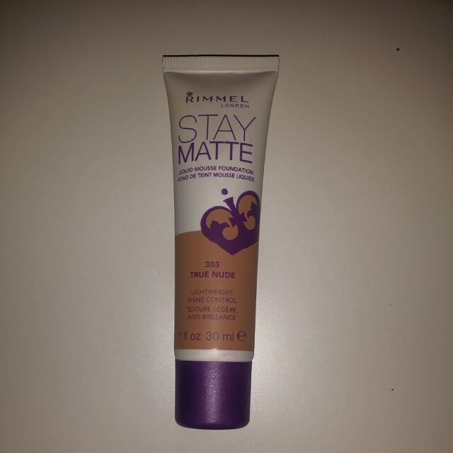 Rimmel Stay Matte Mouse Foundation