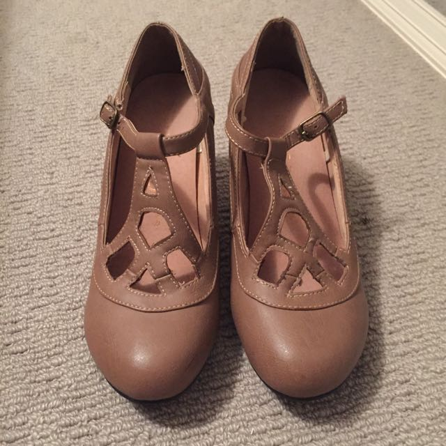 Small Heels Size 38