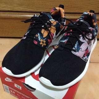 保留中(九成新,急售)Nike Roshe Run 扶桑花 花花 休閒鞋 走路鞋 女US9.5 男US8.5
