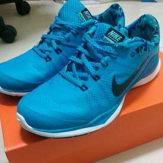 Nike輕運動鞋