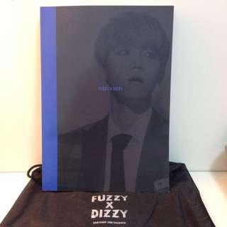 "EXO成員邊伯賢韓站BABY LION 2ND PHOTOBOOK""FUZZY X DIZZY"" 寶貝獅 寫真集 伯賢"