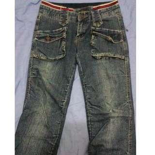 八成新 深藍紅白腰抓皺造型牛仔褲 好看 有型 小版男裝 #Levi's#Diesel#EDWIN#Lee 可參考