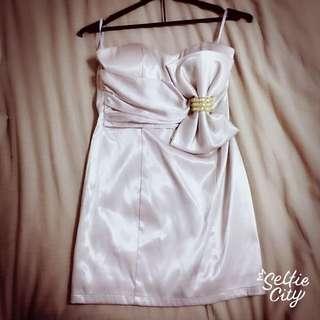 (禮服出清)裸藕色大蝴蝶結平口短版晚禮服洋裝