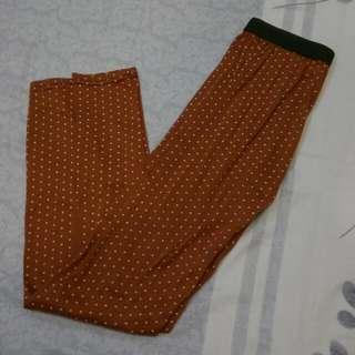 深橘紅色點點內搭褲
