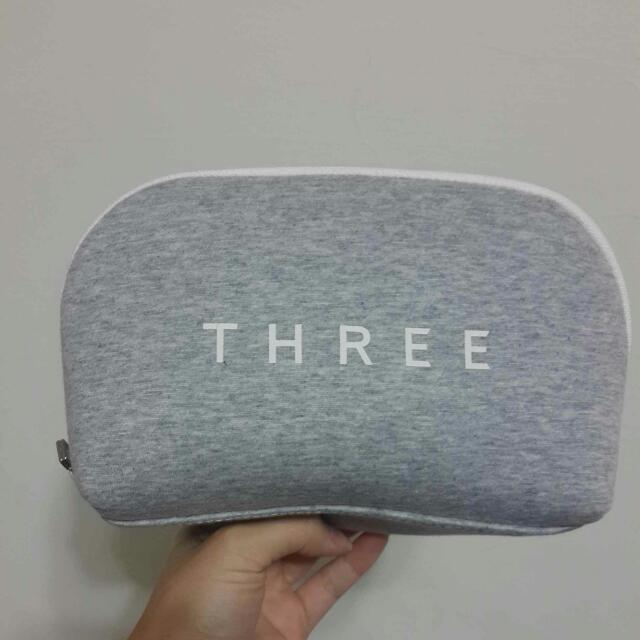Three全新限量化妝包