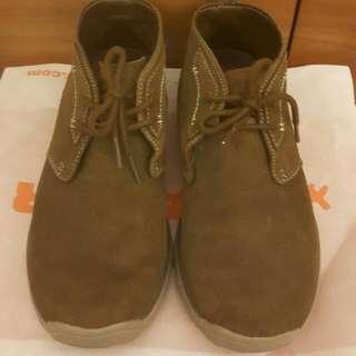 《出清出清》Sketchers·男 US7.5·咖啡駝色系休閒短靴