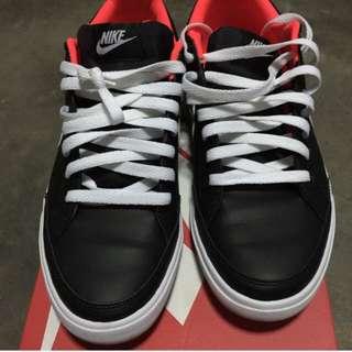 Nike Capri low Leather Sneakers