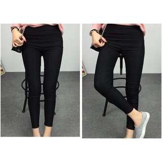 全新‼️小碼彈力顯瘦黑色窄管褲