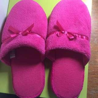粉紅毛絨室內拖鞋💕38號