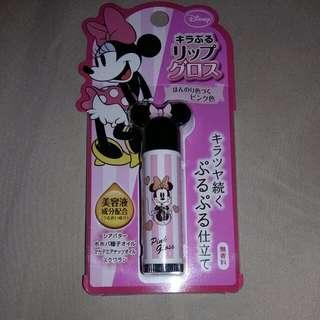 全新剛日本帶回。米妮護唇膏有美容液成份喔!