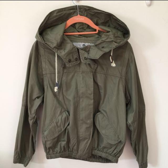 📢「大特價」2% 軍綠色夾克外套 S號