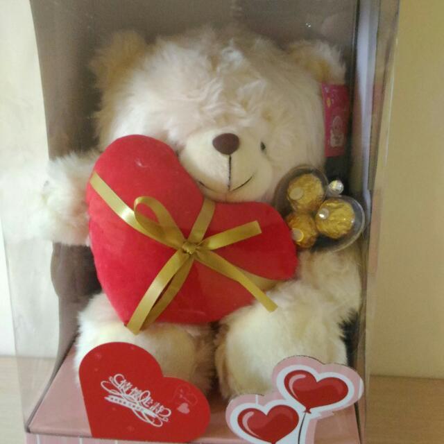 可愛愛心泰迪熊