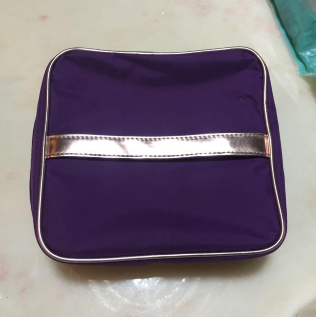 雅詩蘭黛化妝包,紫色全新