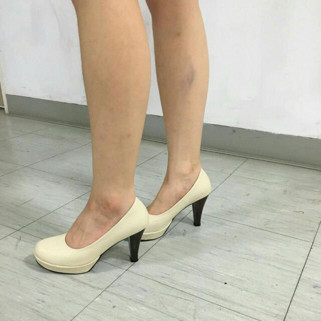 降🎉 米白氣質高跟鞋23號(含運)