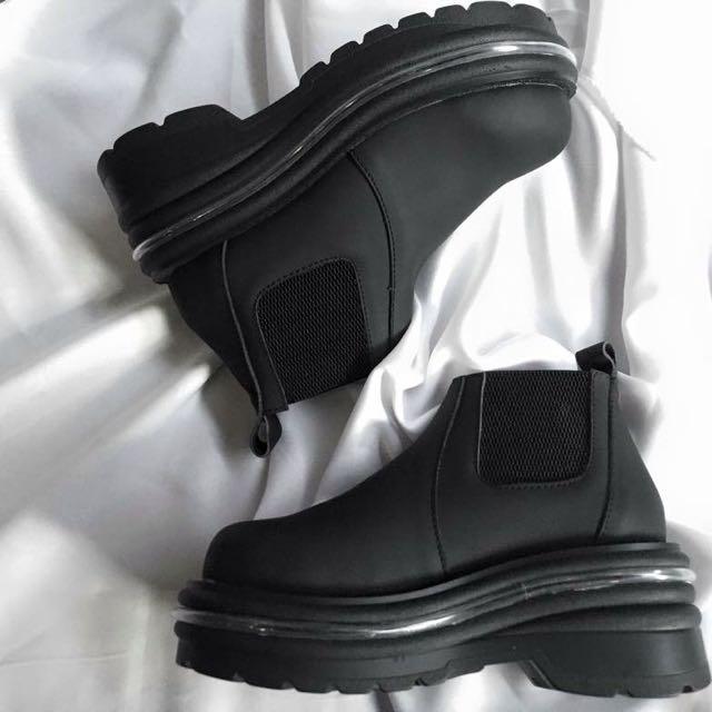 [急售]降價賣✨全新 厚底防水短靴
