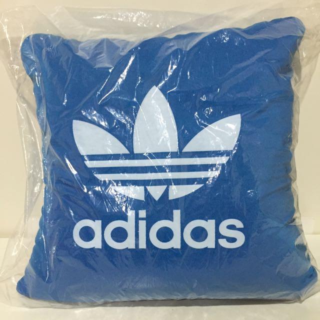 「保留」正品 Adidas 抱枕