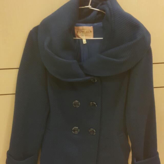 《出清出清》Angel·寶藍色玫瑰花苞領排扣大衣