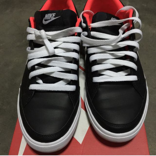Nike Capri low Leather Sneakers