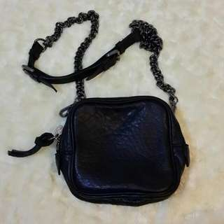小羊皮鍊帶黑色小包包
