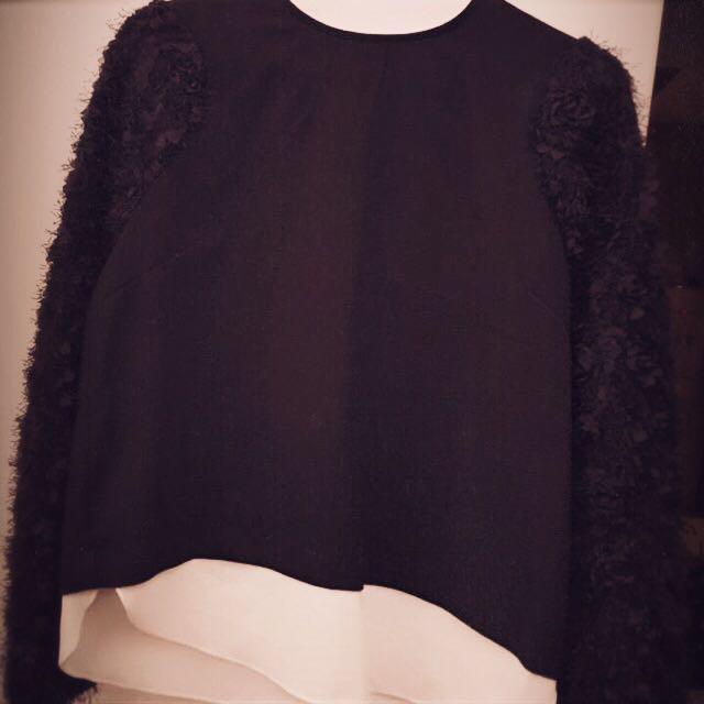 韓國購買拼接毛毛袖黑色長袖上衣
