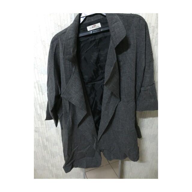 「薄的」西裝大衣