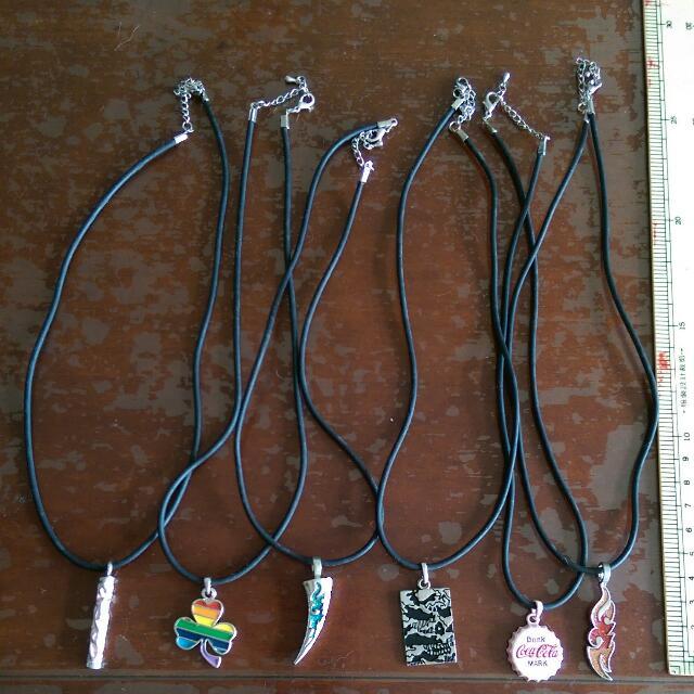 皮繩個性項鍊 (全長25cm)