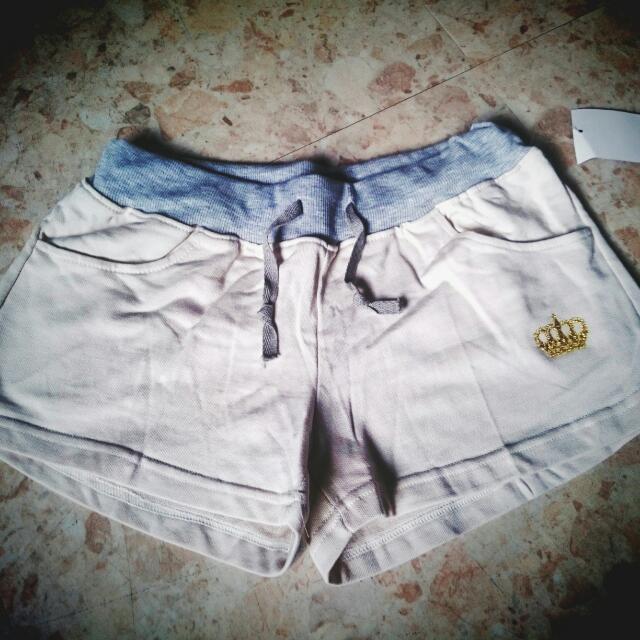 白色運動短褲