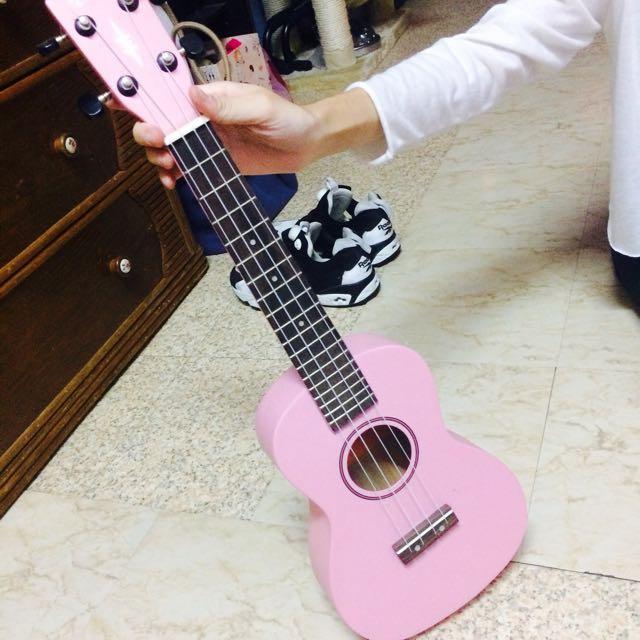 粉色烏克麗麗🎸