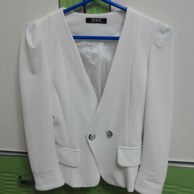 白色墊肩質感挺版西裝外套