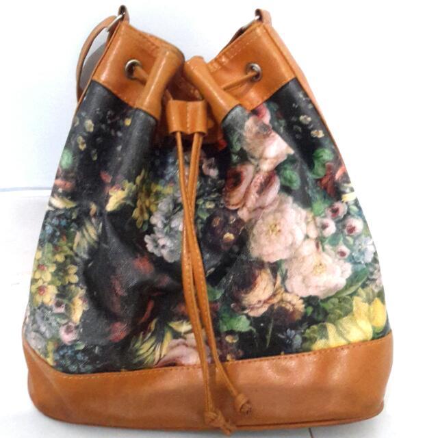 Small Paintpattern Bucketbag