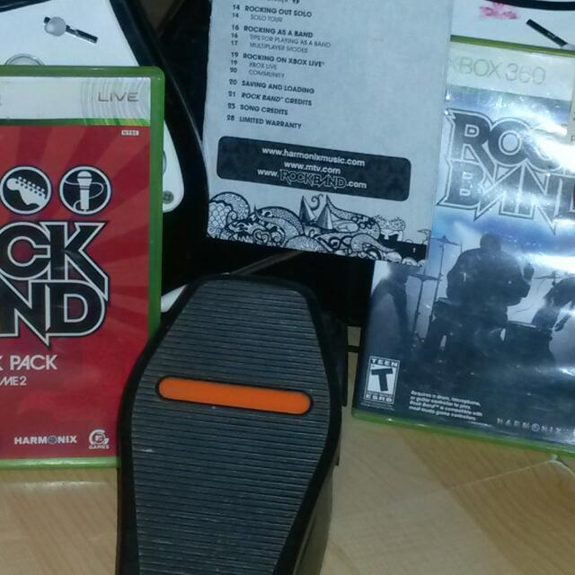 X-BOX 360 ROCK BAND BUNDLE LOT