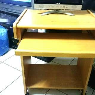 2手電腦桌100$