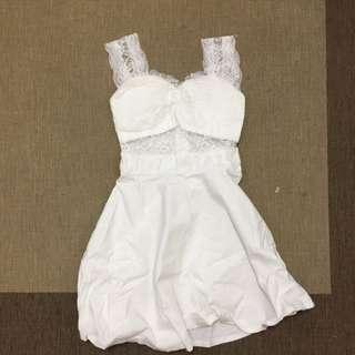 全白蕾絲彈性洋裝