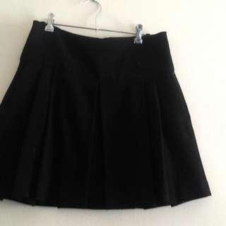 Zara Pleat Skirt With Pocket Size L